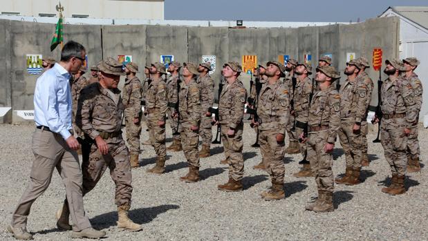 La OTAN suspende las labores de entrenamiento a tropas iraquíes en las que participa España