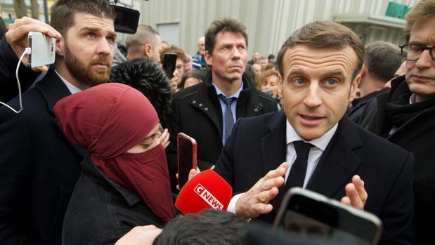 Macron entra en campaña contra el «separatismo islamista» francés