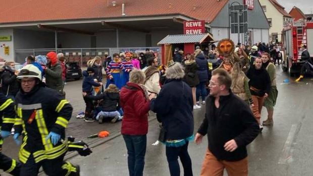 Al menos 30 heridos, entre ellos niños, tras un atropello deliberado en un desfile de Carnaval en Alemania