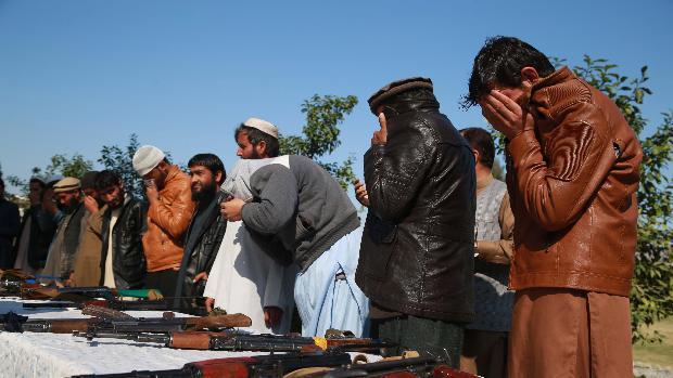 Ghani rechaza liberar a los 5.000 prisioneros que prevé el acuerdo de paz