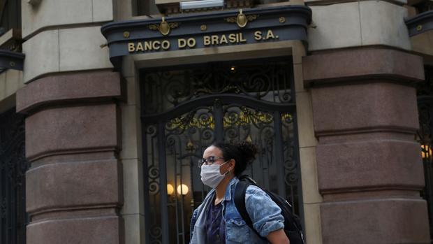 Brasil localiza 1,1 toneladas de cocaína en un camión con guantes para el Covid-19