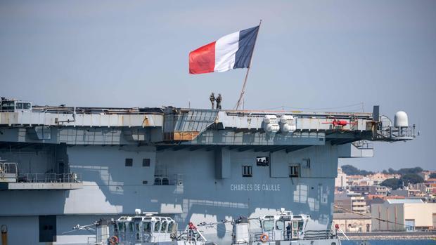 Francia anuncia 668 marinos contagiados a bordo del portaviones nuclear «Charles de Gaulle»