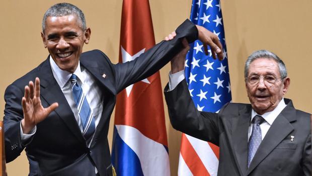 Guiño de Biden al ala radical para reanudar las relaciones con Cuba