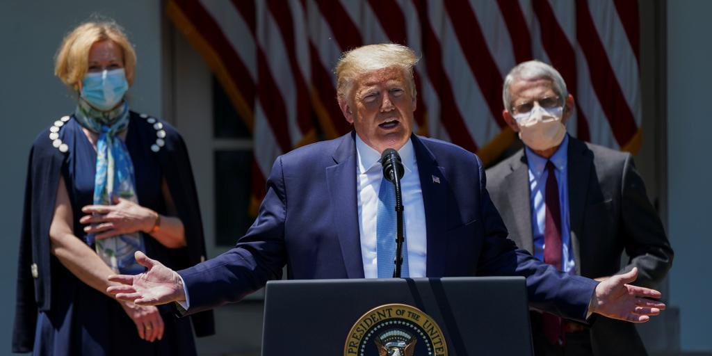 Trump promete una vacuna para finales de año, pero asegura que EE.UU.  reabrirá «con o sin ella»