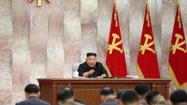 Kim Jong-un reaparece después de tres semanas de ausencia