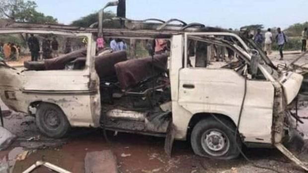 Al menos 19 muertos y tres heridos por la explosión de una mina al paso de un minibús cerca de Mogadiscio