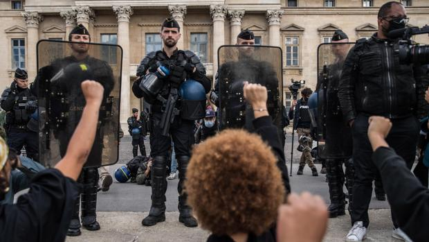 La nueva Francia multicultural tiene rostros racistas muy diversos