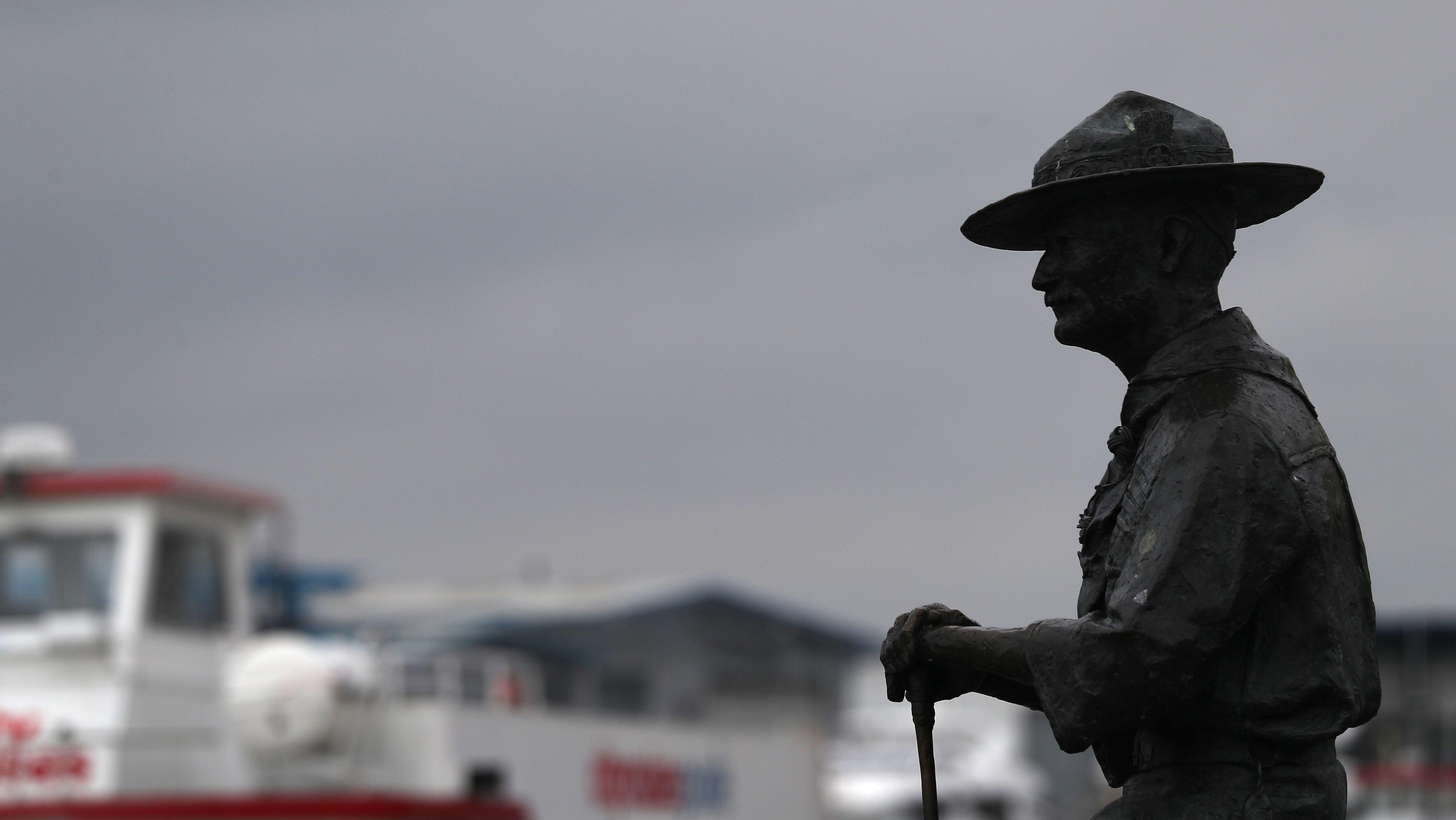 Crece la polémica en Reino Unido por las estatuas de personajes considerados racistas