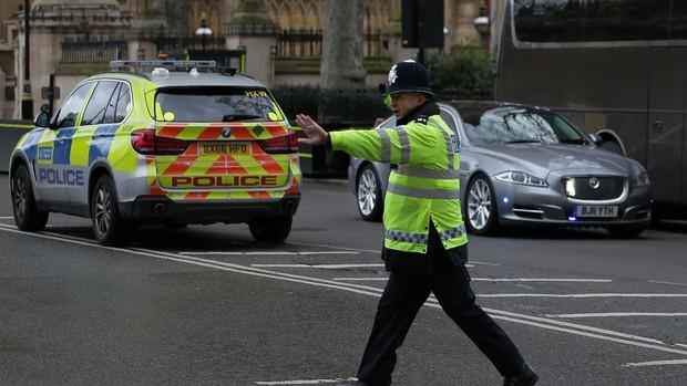 Un hombre de origen libio asesina a puñaladas a tres personas en Reino Unido