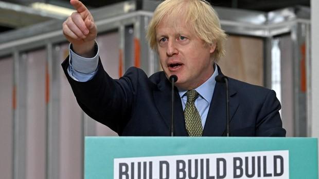 Johnson anuncia un plan radical para reactivar la economía tras la crisis provocada por el Covid-19