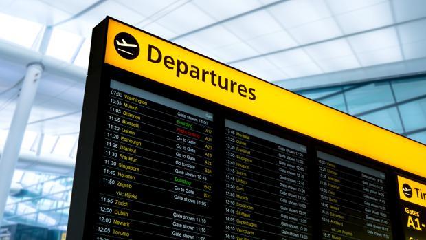 Reino Unido levantará la cuarentena para los viajeros de los 75 países donde los británicos podrán veranear