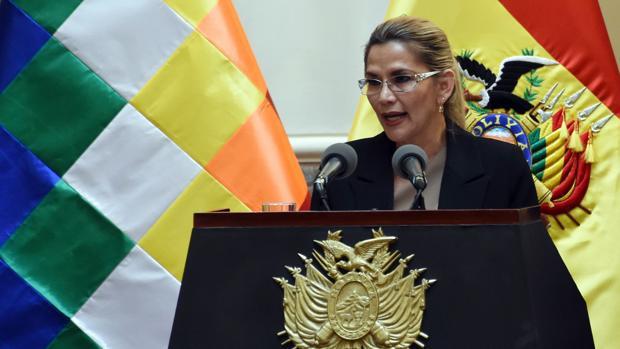 La presidenta interina de Bolivia da positivo por Covid-19