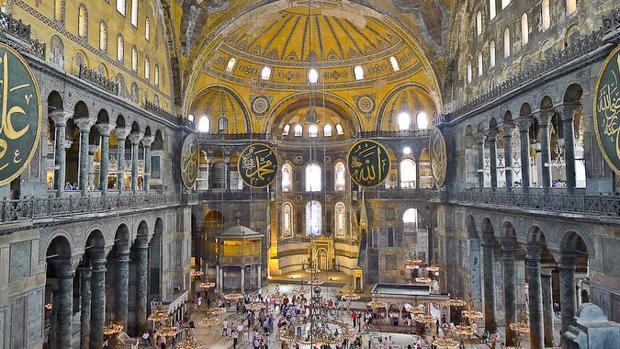Erdogan cumple su sueño de reconvertir Santa Sofía en mezquita
