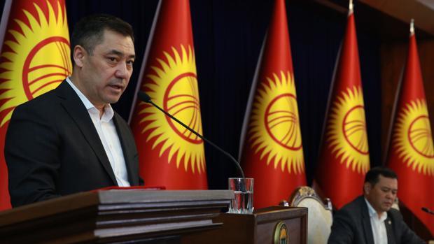 Estado de emergencia en Kirguistán para poner fin a las protestas, enfrentamientos y saqueos