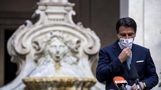 Los inmigrantes pagan al Estado más de lo que reciben en Italia