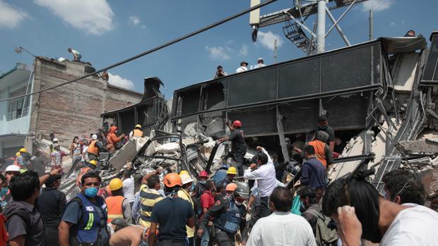 Condenan a 31 años de cárcel a la directora de un colegio mexicano por la muerte de 26 personas en un derrumbe