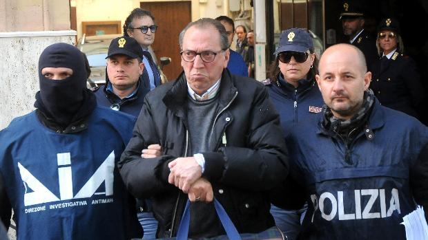 Condenan a cadena perpetua al hombre más buscado de Italia, el capo de la mafia siciliana Matteo Messina