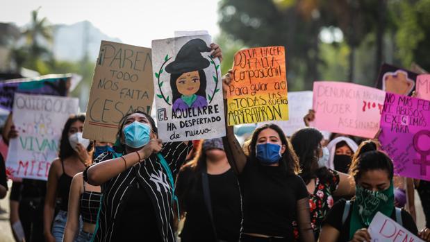 Las feministas protestan por el asesinato de niña de 13 años en el sur de México
