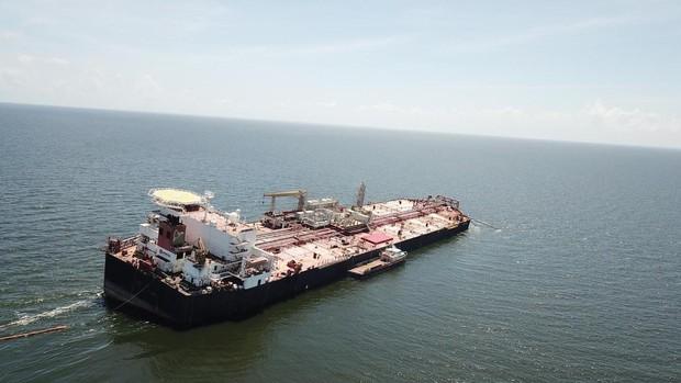 PDVSA intenta evitar un desastre ecológico por el vertido de su buque en el Caribe