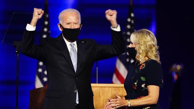 Biden reclama el uso generalizado de la mascarilla