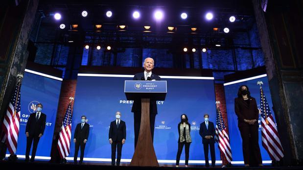 Biden promete que su Gobierno «liderará al mundo, no se retirará de él»