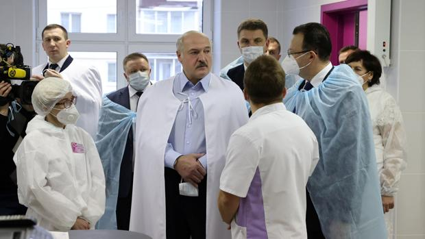 Lukashenko asegura que dimitirá cuando Bielorrusia apruebe una nueva Constitución