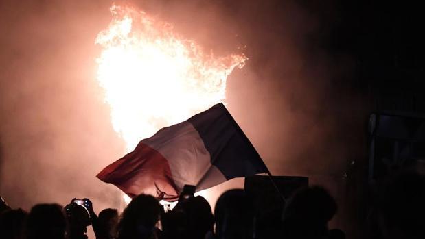 Incidentes violentos en otra gran protesta que clama en Francia contra la polémica ley de seguridad integral