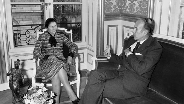 Giscard, el «presidente de derechas» que aprobó el aborto y el divorcio en Francia