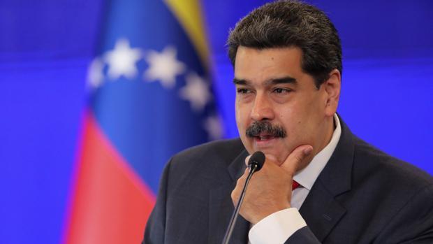 Maduro ordena celebrar su farsa electoral en las plazas de la consulta popular de la oposición