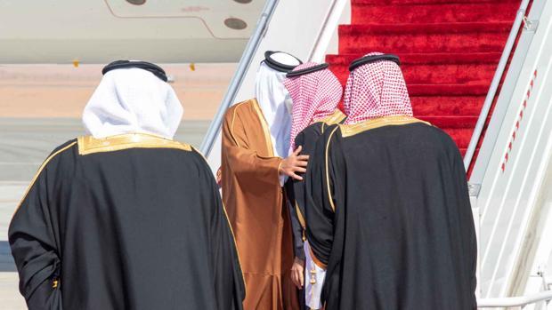 Arabia Saudí, Emiratos, Egipto y Baréin ponen fin al embargo contra Qatar