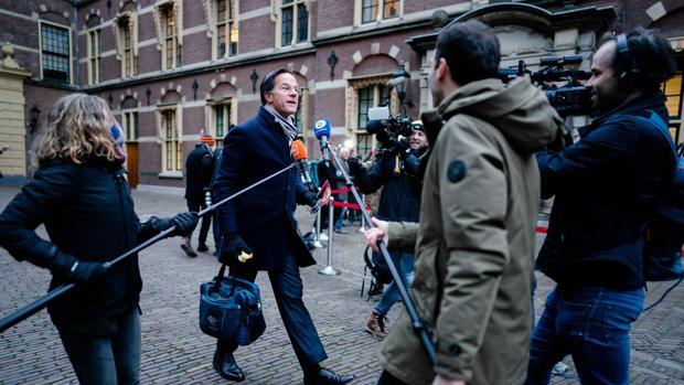 Dimite el Gobierno holandés por el escándalo en los subsidios a las familias para el cuidado de los hijos