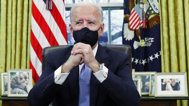 Biden rinde homenaje a su hijo fallecido en la nueva decoración del Despacho Oval