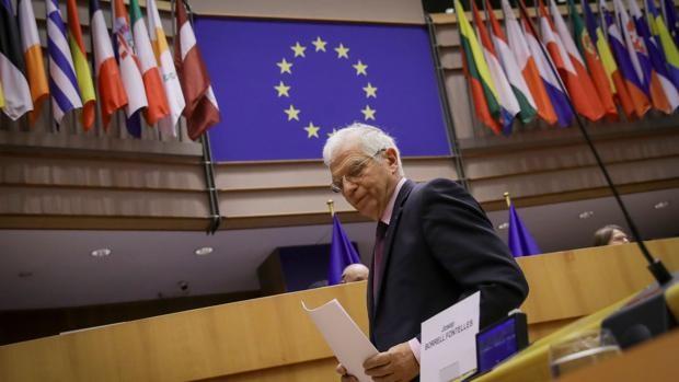 Borrell no dimitirá pese a la avalancha de críticas en el Parlamento Europeo