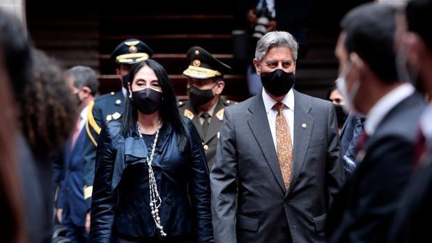 Crece el escándalo en Perú por la vacunación irregular de 487 altos cargos y funcionarios