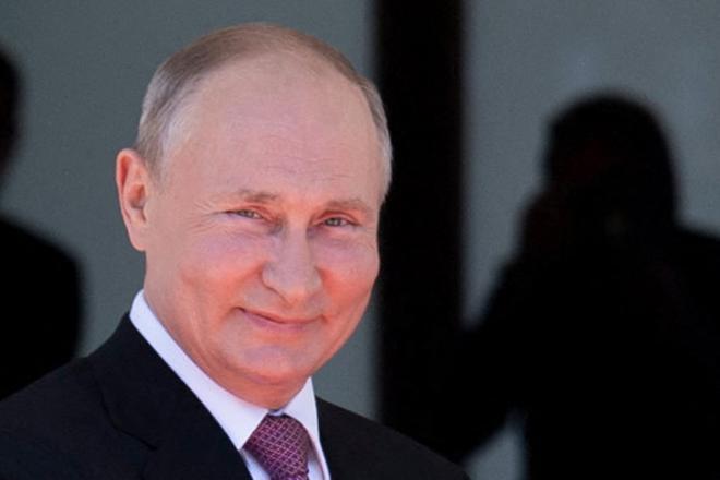 La ley que promulgó el presidente de Rusia, Vladímir Putin, el pasado 1 de julio también prohibe «negar el papel decisivo del pueblo soviético en la derrota del fascismo»