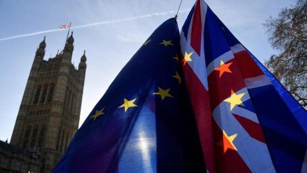 Londres desafía a la UE y pide un «nuevo» protocolo irlandés