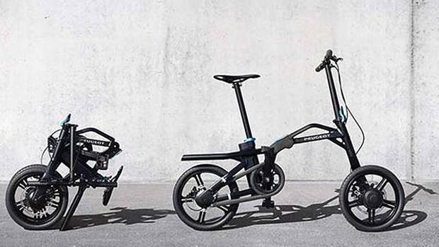 La bicicleta eléctrica de Peugeot, la ef 01, se puede incluso plegar