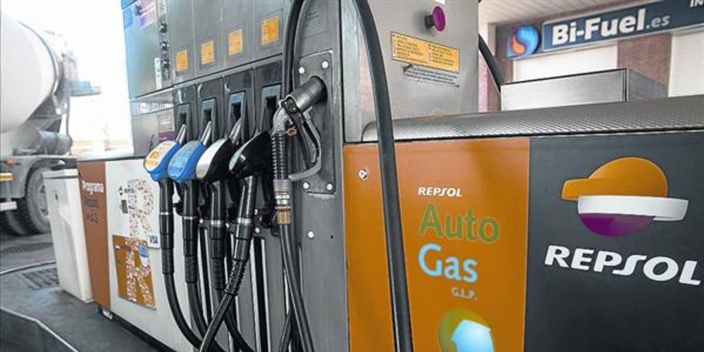 Casi 3.000 vehículos de gasolina se han convertido a gas en el primer semestre de 2018