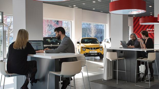 Cómo saber si es mejor financiar o pagar al contado tu próximo coche