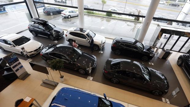 Teresa Ribera impone la subida de precio de los coches en 2021