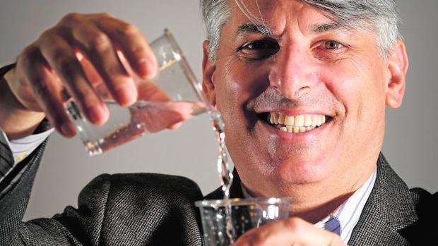 Aaron Wolf es geógrafo, mediador y director del programa «Gestión del Conflicto y Transformación» en materia de agua