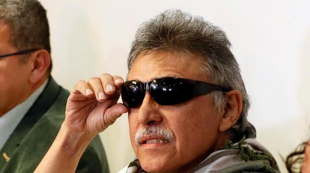 """El exguerillero y líder del partido político FARC Seuxis Paucias Hernández, alias """"Jesús Santrich"""", durante una rueda de prensa"""