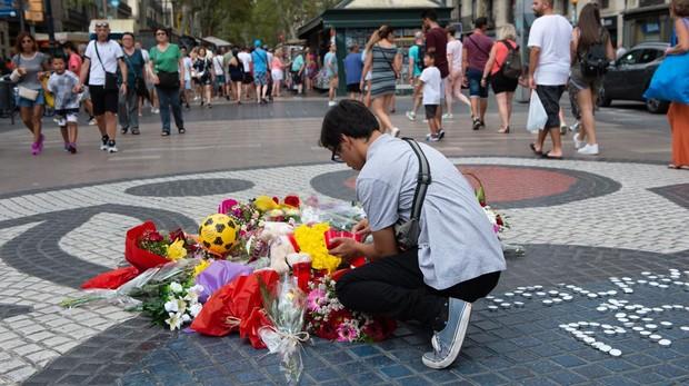 Homenaje a las víctimas del atentado de las Ramblas en Barcelona