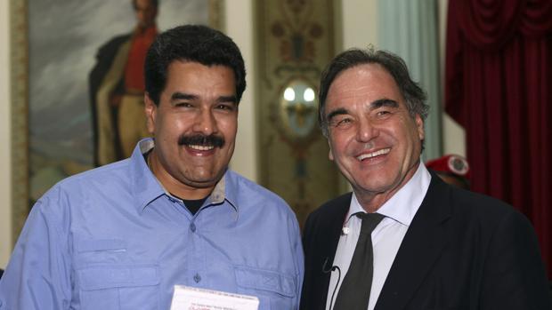 Nicolás Maduro y Oliver Stone en el Palacio de Miraflores, en una imagen de archivo de 2013