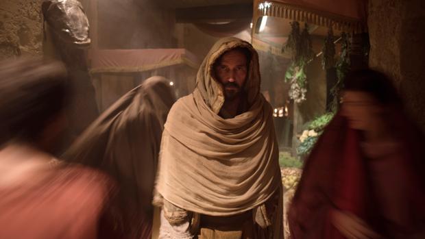 Jim Caviezel es Lucas en «Pablo, el Apóstol de Cristo»