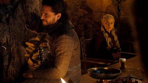 Game of Thrones: Resuelto el misterio del vaso de Starbucks ...