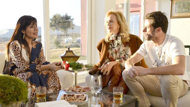 Miriam Saavedra, junto a Carmen Lomana y Canales Rivera en «Ven a cenar conmigo: Gourmet edition»
