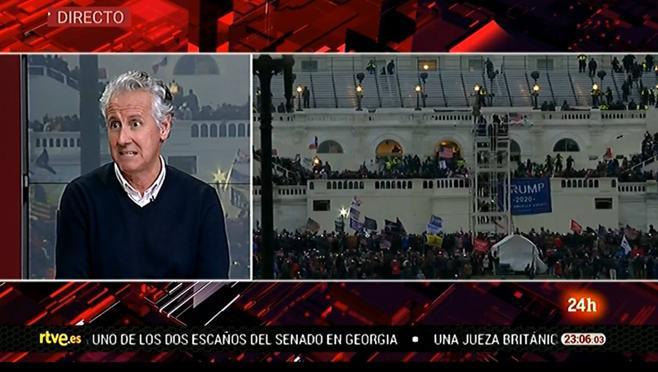 Lorenzo Milá se sumó al trabajo que hacía el Canal 24 Horas y aportó conocimientos y experiencia