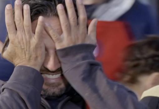 Bustamante cries in Segovia