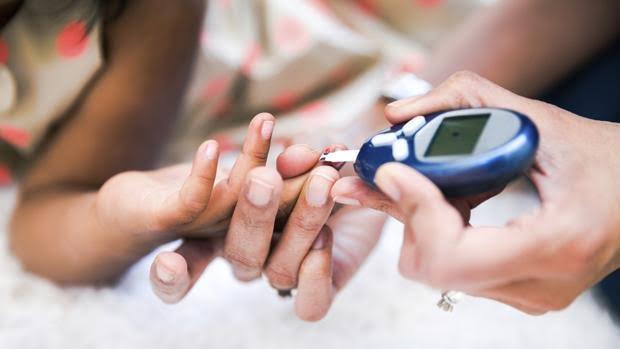 el cáncer de próstata puede causar niveles altos de azúcar en la sangre